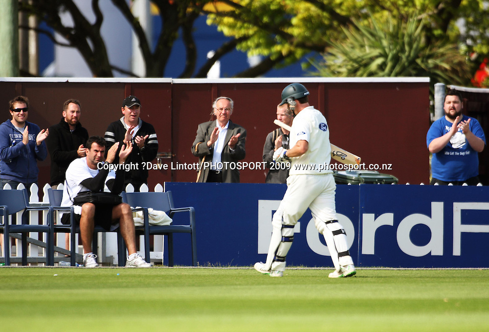 Central captain Jamie How is clapped off after posting 176 in his record partnership with Peter Ingram.<br /> Plunket Shield cricket - Wellington Firebirds v Central Stags at Allied Nationwide Finance Basin Reserve, Wellington. Tuesday, 15 December 2009. Photo: Dave Lintott/PHOTOSPORT