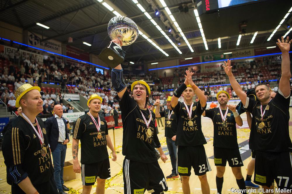 DK:<br /> 20160529, Holstebro, Danmark:<br /> H&aring;ndbold Boxer Herreligaen DM Finale: Team Tvis Holstebro-BSV (Bjerringbro Silkeborg Voel). <br /> Mikkel M&uuml;nter, BSV, Sebastian Skube, BSV, Stefan Hundstrup, BSV, Dennis Kirkegaard, BSV, Michael V Knudsen, BSV<br /> Foto: Lars M&oslash;ller<br /> UK: <br /> 20160529, Holstebro, Denmark:<br /> H&aring;ndbold Boxer Herreligaen DM Finale: Team Tvis Holstebro-BSV (Bjerringbro Silkeborg Voel)<br /> Mikkel M&uuml;nter, BSV, Sebastian Skube, BSV, Stefan Hundstrup, BSV, Dennis Kirkegaard, BSV, Michael V Knudsen, BSV<br /> Photo: Lars Moeller