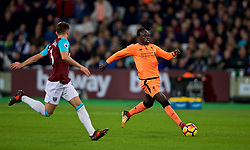 LONDON, ENGLAND - Saturday, November 4, 2017: Liverpool's Sadio Mane sprints away to set-up the opening goal during the FA Premier League match between West Ham United FC and Liverpool FC at the London Stadium. (Pic by David Rawcliffe/Propaganda)