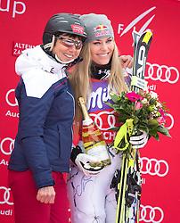 09.01.2016, Keelberloch Rennstrecke, Altenmarkt Zauchensee, AUT, FIS Weltcup Ski Alpin, Zauchensee, Abfahrt, Damen, im Bild v.l. Annemarie Moser Pröll, Lindsey Vonn (USA, 1. Platz) // former Austrian Ski racer Annemarie Moser Proell ( L ) and winner Lindsey Vonn of the USA celebrates on Podium after ladies Downhill of the Zauchensee FIS Ski Alpine World Cup at the Keelberloch Rennstrecke in Altenmarkt Zauchensee, Austria on 2016/01/09. EXPA Pictures © 2016, PhotoCredit: EXPA/ Johann Groder