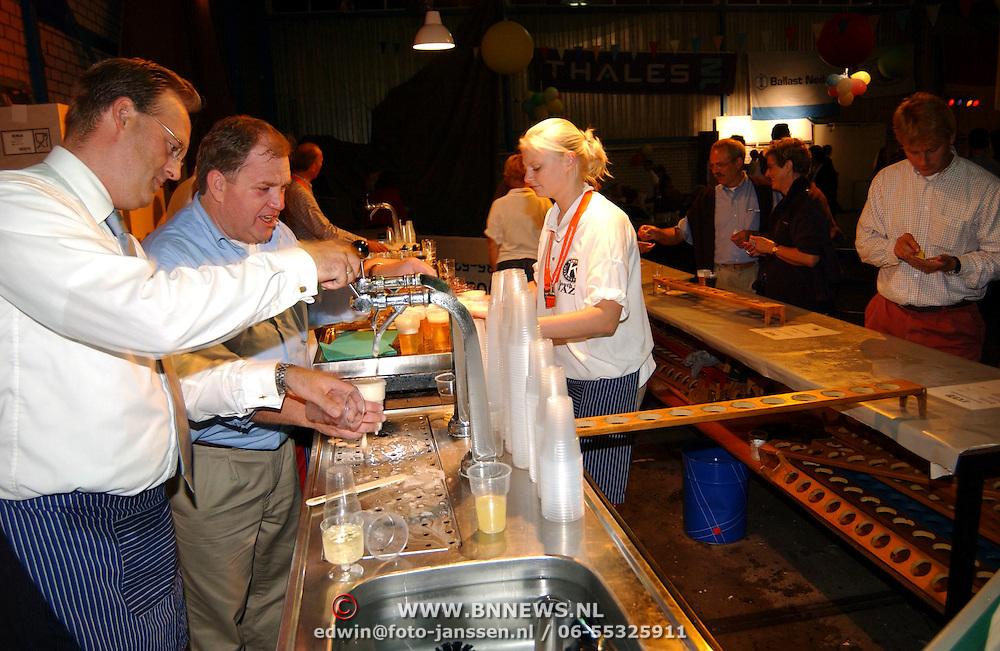 South Sea Jazz 2003, Han Landman tapt een biertje