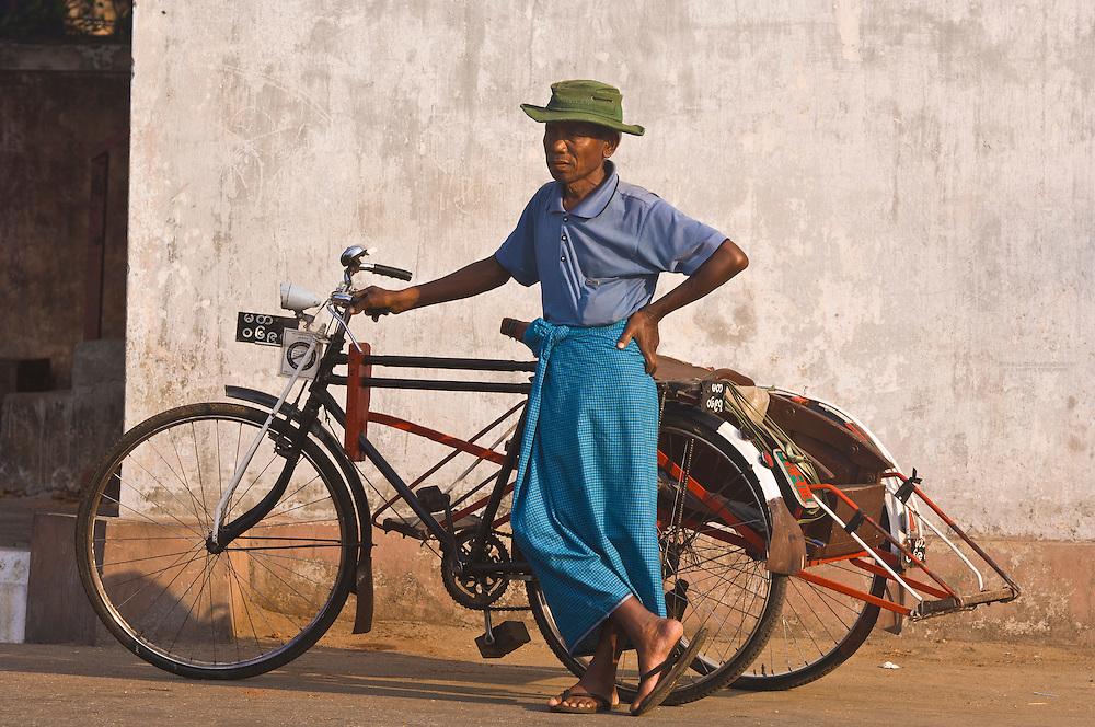 Bicycle rickshaw deriver, Yangon (Rangoon), Myanmar (Burma)