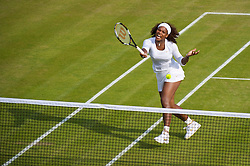 LONDON, ENGLAND - Friday, June 26, 2009: Serena Williams (USA) during the Ladies' Doubles 2nd Round match on day five of the Wimbledon Lawn Tennis Championships at the All England Lawn Tennis and Croquet Club. (Pic by David Rawcliffe/Propaganda)