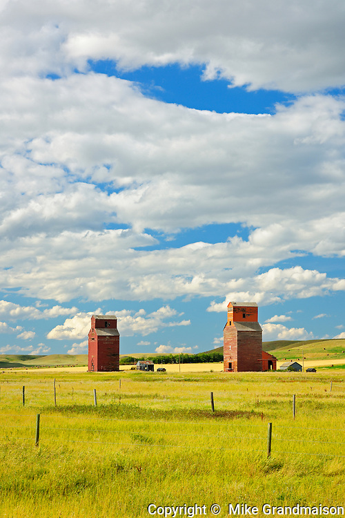 Grain elevators<br /> Neidpath<br /> Saskatchewan<br /> Canada