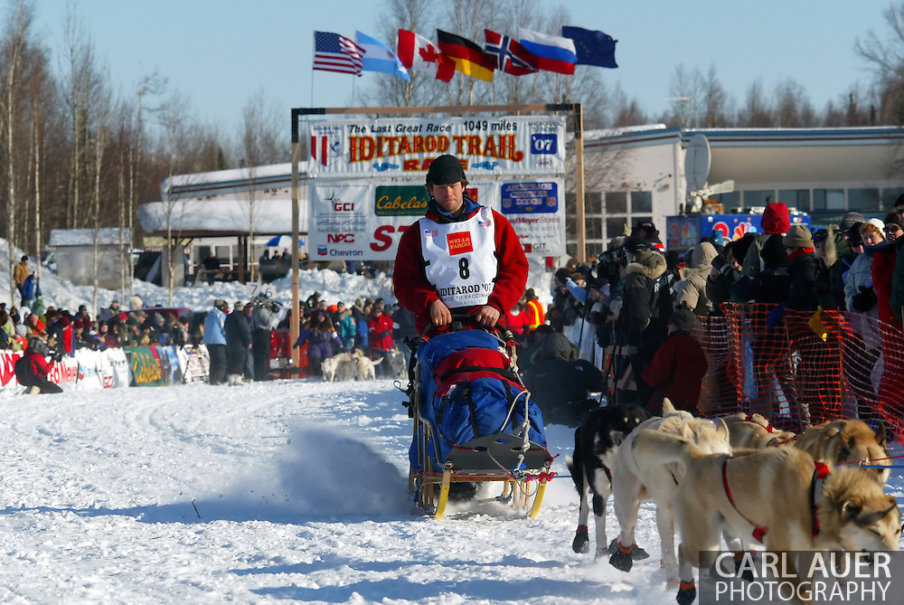 3/4/2007:  Willow, Alaska -  Veteran Ramey Smyth of Houston, AK at the start of the 35th Iditarod Sled Dog Race
