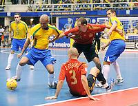 Fussball  International  FIFA  FUTSAL WM 2008   19.10.2008 Finale Brasil - Spain Brasilien - Spanien Von links ARI (BRA); JAVI ESEVERRI (ESP); ALVARO (ESP), und VINICIUS (BRA).