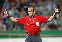 Fussball  UEFA Pokal  Halbfinale  Rueckspiel  Saison 2006/2007 Werder Bremen - Espanyol Barcelona              Schiedsrichter Bertrand LAYEC