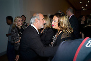 ALAN YENTOB; ZAHA HADID, brit Insurance Design Awards 2009. Design Museum. London. 18 March 2009. *** Local Caption *** -DO NOT ARCHIVE-© Copyright Photograph by Dafydd Jones. 248 Clapham Rd. London SW9 0PZ. Tel 0207 820 0771. www.dafjones.com.<br /> ALAN YENTOB; ZAHA HADID, brit Insurance Design Awards 2009. Design Museum. London. 18 March 2009.