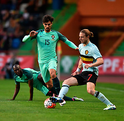 Portugal's Andre Gomes (M) vies with Belgium's Guillaume Gillet (R) during a friendly soccer match betweem Portugal and Belgium in preparation for Euro 2016 in France at Leiria Municipal Stadium, Portugal, on March 29, 2016. Portugal won 2-1. EXPA Pictures © 2016, PhotoCredit: EXPA/ Photoshot/ Zhang Liyun<br /> <br /> *****ATTENTION - for AUT, SLO, CRO, SRB, BIH, MAZ, SUI only*****