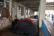 London, 06/08/2017: refugees tend camp, Vauxhall bridge.<br /> &copy; Andrea Sabbadini