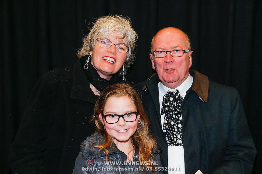 NLD/Amsterdam/20130214 - Premiere musical Peter Pan, Harrie Slinger, partner Marijke van der Pol en kleinkind