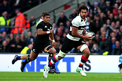 Steven Luatua of Barbarians runs the length of the pitch to set up a try for George Bridge of Barbarians - Mandatory by-line: Robbie Stephenson/JMP - 04/11/2017 - RUGBY - Twickenham Stadium - London,  - Barbarians v All Blacks - Killik Cup