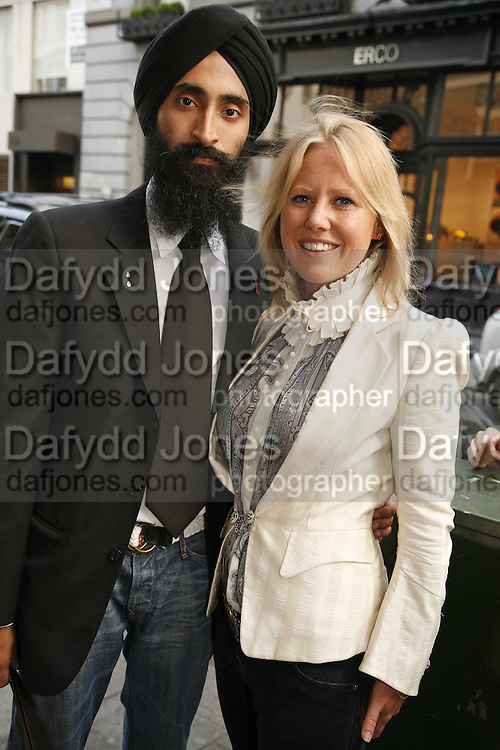 Waris Ahluwalia AND ALICE BAMFORD, Party for House of Waris jewelry collection hosted by Daphne Guinness, Alice Bamford and Wes Anderson. Dover St. market. London. 8 June 2006. ONE TIME USE ONLY - DO NOT ARCHIVE  © Copyright Photograph by Dafydd Jones 66 Stockwell Park Rd. London SW9 0DA Tel 020 7733 0108 www.dafjones.com