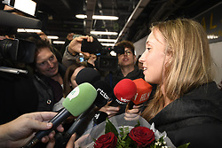 January 27, 2018 - Bruxelles, BELGIQUE - BRUSSELS, BELGIUM - JANUARY 27:  Belgian tennis player Elise Mertens (semi finalist at the Australia Open) pictured during her come back in Brussels Airport Belgium on january 27, 2018 in Brussels, Belgium, 27/01/2018 (Credit Image: © Panoramic via ZUMA Press)