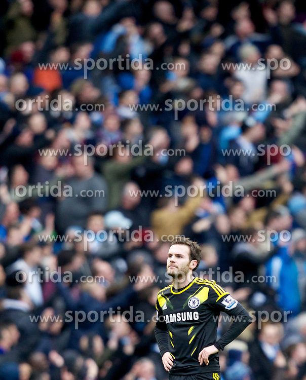 24.02.2013, Etihad Stadion, Manchester, ENG, Premier League, Manchester City vs FC Chelsea, 27. Runde, im Bild Chelsea's Juan Mata looks dejected as Manchester City score their second goal during the English Premier League 27th round match between Manchester City and Chelsea FC at the Etihad Stadium, Manchester, Great Britain on 2013/02/24. EXPA Pictures © 2013, PhotoCredit: EXPA/ Propagandaphoto/ Vegard Grott..***** ATTENTION - OUT OF ENG, GBR, UK *****