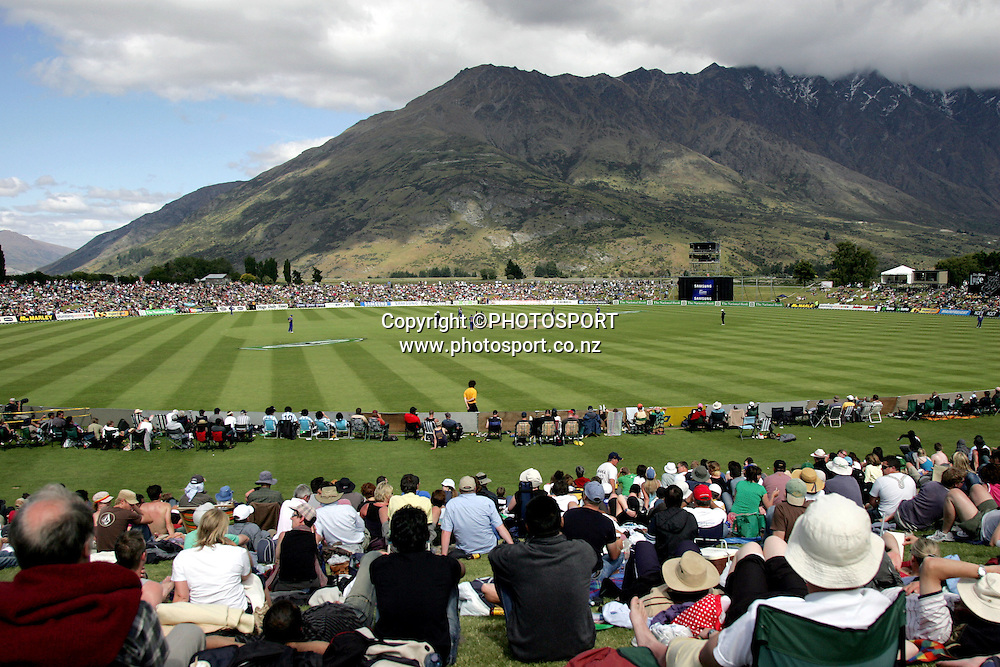 General view of the ground during the 2nd one day international cricket match between New Zealand and Sri Lanka at the Queenstown Events Centre, Queenstown, on Sunday 31st December, 2006. New Zealand won the match by one wicket. Photo: Andrew Cornaga/PHOTOSPORT<br /> <br /> 311206 gv venue stadium stadia