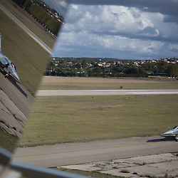 Reportage photo sur la Base A&eacute;rienne 701 Salon de Provence aupr&egrave;s de la Patrouille de France, de l'Equipe de Voltige de l'Arm&eacute;e de l'Air et de l'Escadron des Services de la Circulation A&eacute;rienne.<br /> 17 et 18 octobre 2012