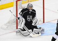 26 May 2014 Los Angeles Kings Goalie Jonathan Quick 32  makes A Save during Game 4 of The Western Conference Final between The Chicago Blackhawks and The Los Angeles Kings AT The Staples Center in Los Angeles Approx NHL Ice hockey men USA May 26 Stanley Cup Playoffs Western Conference Final Blackhawks AT Kings Game 4 <br />