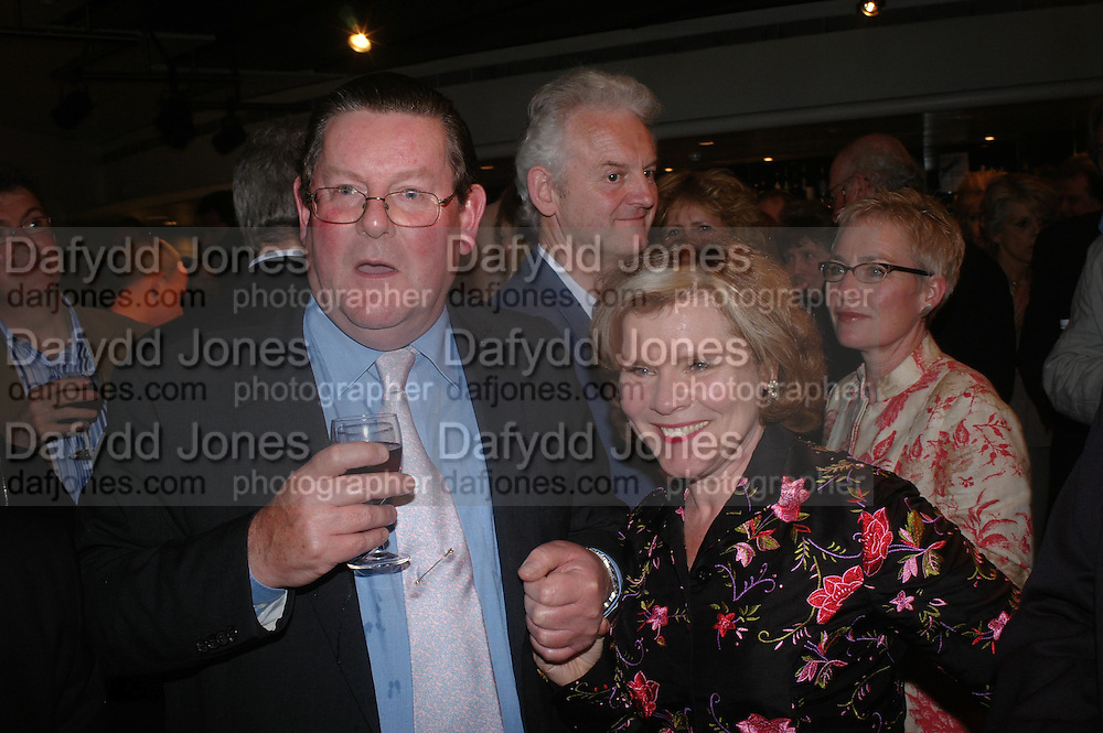 Vivian Harmsworth and Imelda Staunton. Centenal Rada in aid of the Rada  Student Hardship fund.  RADA Theatre. 17 April 2005. ONE TIME USE ONLY - DO NOT ARCHIVE  © Copyright Photograph by Dafydd Jones 66 Stockwell Park Rd. London SW9 0DA Tel 020 7733 0108 www.dafjones.com