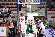 DESCRIZIONE : Roma Lega A 2012-13 Acea Roma Montepaschi Siena <br /> GIOCATORE : Jordan Taylor<br /> CATEGORIA : controcampo assist passaggio<br /> SQUADRA : Acea Roma<br /> EVENTO : Campionato Lega A 2012-2013 <br /> GARA : Acea Roma Montepaschi Siena <br /> DATA : 12/11/2012<br /> SPORT : Pallacanestro <br /> AUTORE : Agenzia Ciamillo-Castoria/GiulioCiamillo<br /> Galleria : Lega Basket A 2012-2013  <br /> Fotonotizia :  Roma Lega A 2012-13 Acea Roma Montepaschi Siena <br /> Predefinita :