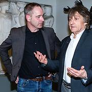 NLD/Amsterdam/20160128 - opening DWDD Pop Up Museum 2016, Wim T. Schippers in gesprek