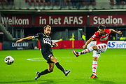 ALKMAAR - 26-10-2016, AZ - FC Emmen, AFAS Stadion, 1-0, FC Emmen speler Frank Olijve, AZ speler Alireza Jahanbakhsh