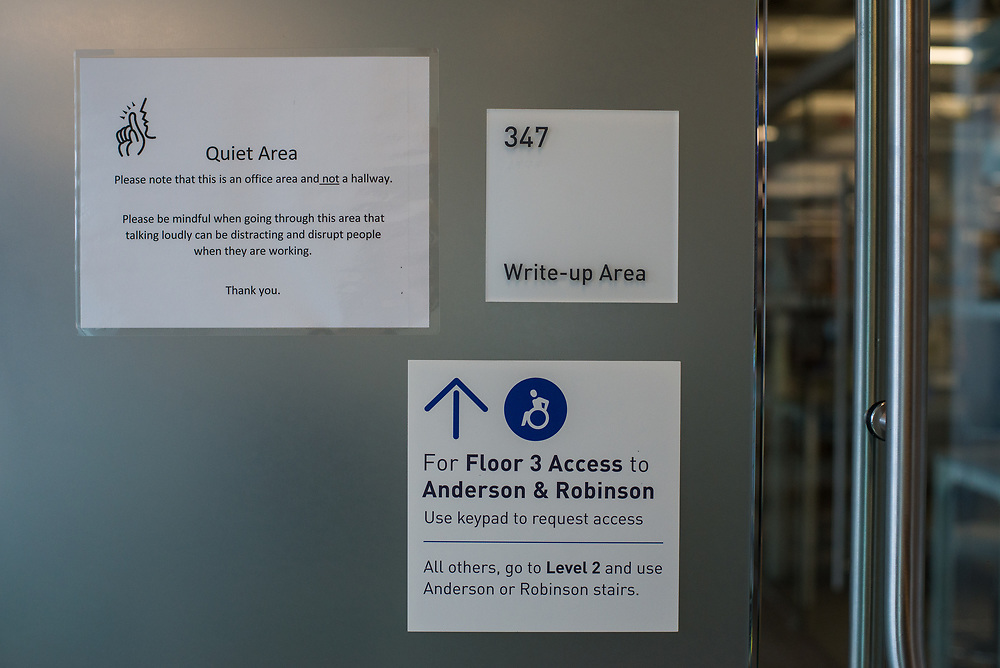 03/12/2018 - Medford/Somerville, MA - A sign in the Science and Engineering Center directing users to an accessible route to Anderson and Robinson's third floor is pictured on Mar 12, 2018. (Ray Bernoff / The Tufts Daily)