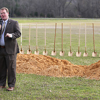 Thomas Wells | BUY at PHOTOS.DJOURNAL.COM<br /> Tupelo Mayor Jason Shelton welcomes guests and veterans for Monday's long awaited ground breaking for the Vietnam War Memorial Wall at Veterans Park.