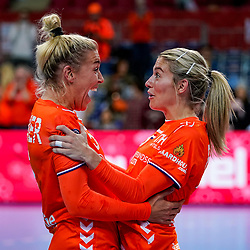 06-12-2019 JAP: Norway - Netherlands, Kumamoto<br /> Last match groep A at 24th IHF Women's Handball World Championship. / The Dutch handball players won in an exciting game of fear gegner Norway and wrote in the last group match at the World Handball  World Championship history (30-28). / Estavana Polman #79 of Netherlands, Jessy Kramer #5 of Netherlands