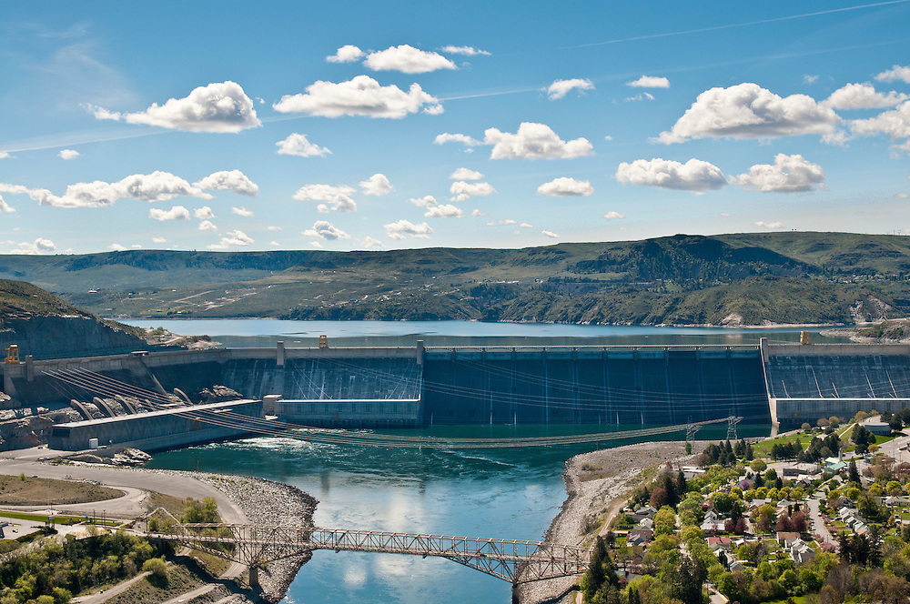 Grand Coulee Dam on the Columbia River, Washington, from the Crown Point viewpoint.