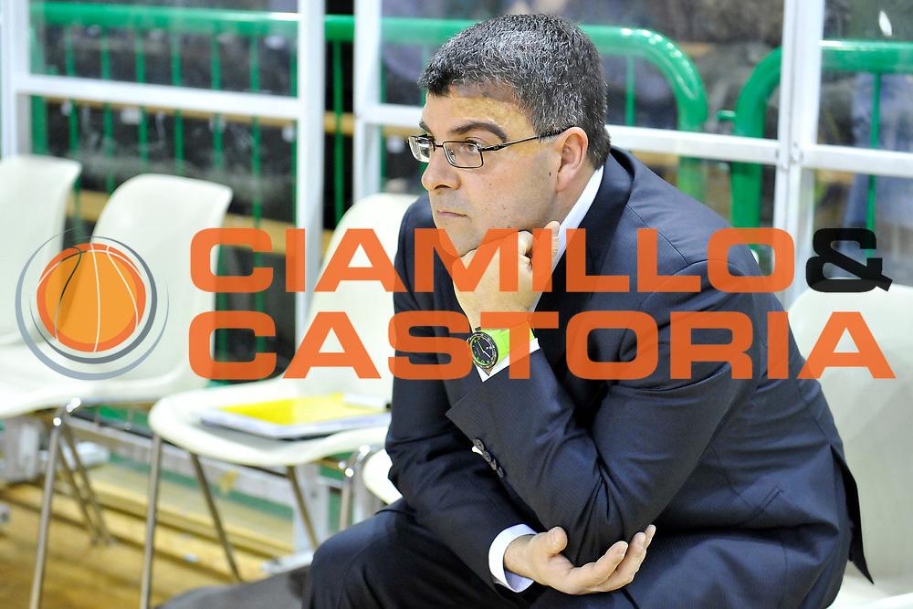 DESCRIZIONE: Casale Monferrato LNP ADECCO GOLD 2013/2014 Novipiu Casale Monferrato-Tezenis Verona  <br /> GIOCATORE: Alessandro Ramagli<br /> CATEGORIA: pregame allenatori<br /> SQUADRA: Tezenis Verona<br /> EVENTO: Campionato LNP ADECCO GOLD 2013/2014<br /> GARA: Novipiu Casale Monferrato-Tezenis Verona <br /> DATA: 19/01/2013<br /> SPORT: Pallacanestro <br /> AUTORE: Agenzia Ciamillo-Castoria/G.Gentile<br /> Galleria: LNP GOLD 2013/2014<br /> Fotonotizia: Casale Monferrato LNP ADECCO GOLD 2013/2014 Novipiu Casale Monferrato-Tezenis Verona <br /> Predefini: