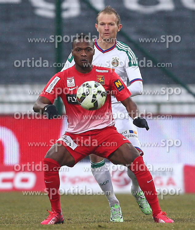 22.02.2015, BSFZ Arena, Maria Enzersdorf, AUT, 1. FBL, FC Admira Wacker Moedling vs SK Rapid Wien, 21. Runde, im Bild Issiaka Ouedraogo (FC Admira Wacker Moedling) und Mario Sonnleitner (SK Rapid Wien) // during Austrian Bundesliga Football 21st round match between FC Admira Wacker Moedling vs FK Austria Vienna at the BSFZ Arena, Maria Enzersdorf, Austria on 2015/02/22. EXPA Pictures © 2015, PhotoCredit: EXPA/ Thomas Haumer
