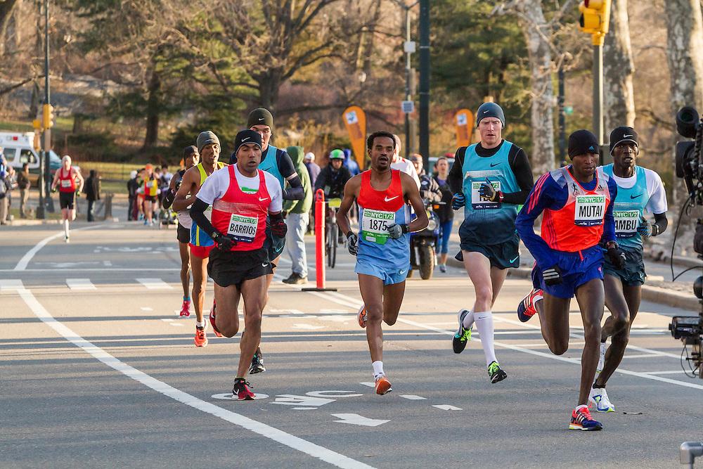 lead pack of elite men in Central Park, Mutai