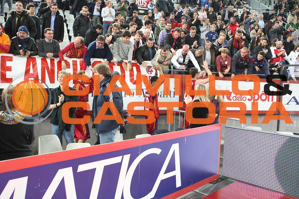DESCRIZIONE : Roma Lega A1 2008-09 Lottomatica Virtus Roma Benetton Treviso<br /> GIOCATORE : Tifosi Gigli Jennings<br /> SQUADRA : Lottomatica Virtus Roma Benetton Treviso<br /> EVENTO : Campionato Lega A1 2008-2009<br /> GARA : Lottomatica Virtus Roma Benetton Treviso<br /> DATA : 14/12/2008<br /> CATEGORIA : tifosi esultanza<br /> SPORT : Pallacanestro<br /> AUTORE : Agenzia Ciamillo-Castoria/G.Ciamillo