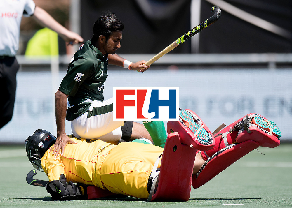 BREDA - Rabobank Hockey Champions Trophy<br /> 5th/6th place Belgium - Pakistan<br /> Belgium wins after shoot out.<br /> Photo: Loic van Doren saved the last shoot out.<br /> COPYRIGHT WORLDSPORTPICS FRANK UIJLENBROEK