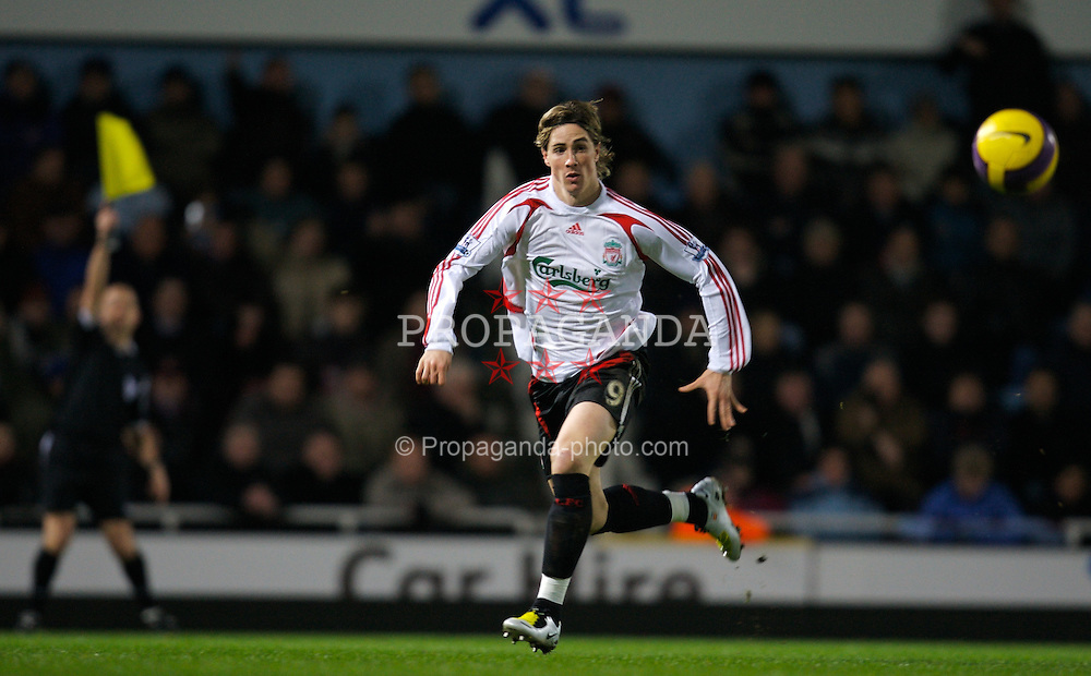 LONDON, ENGLAND - Wednesday, January 30, 2008: Liverpool's Fernando Torres is flagged off-side by the linesman during the Premiership match against West Ham United at Upton Park. (Photo by David Rawcliffe/Propaganda)