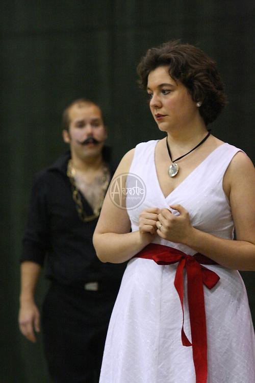 Vira Slywotzky and Alex Mansoori in Cosi fan tutte