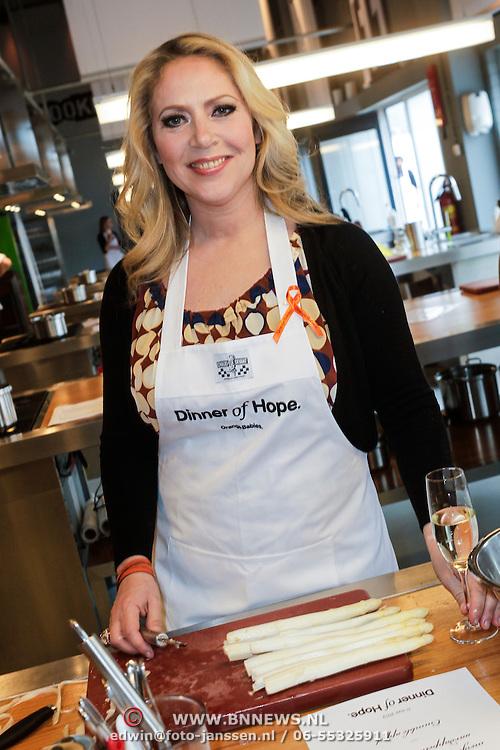 NLD/Amsterdam/20120511 - Dinner of Hope 2012 voor Orange Babies, Fiona Hering
