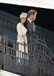 AU_1379028 - suva, FIJI  - Prince Harry and Meghan Markle wave from a balcony in Suva, Fiji.<br /> <br /> Pictured: Meghan Markle and Prince Harry<br /> <br /> BACKGRID Australia 23 OCTOBER 2018 <br /> <br /> Phone: + 61 2 8719 0598<br /> Email:  photos@backgrid.com.au