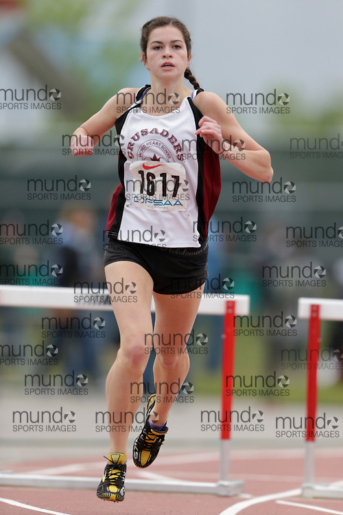 Hannah Carley of Sacred Heart CHS - Newmarket competes in the intermediate hurdle heats at the 2013 OFSAA Track and Field Championship in Oshawa Ontario, Saturday,  June 8, 2013.<br /> Mundo Sport Images/ Geoff Robins