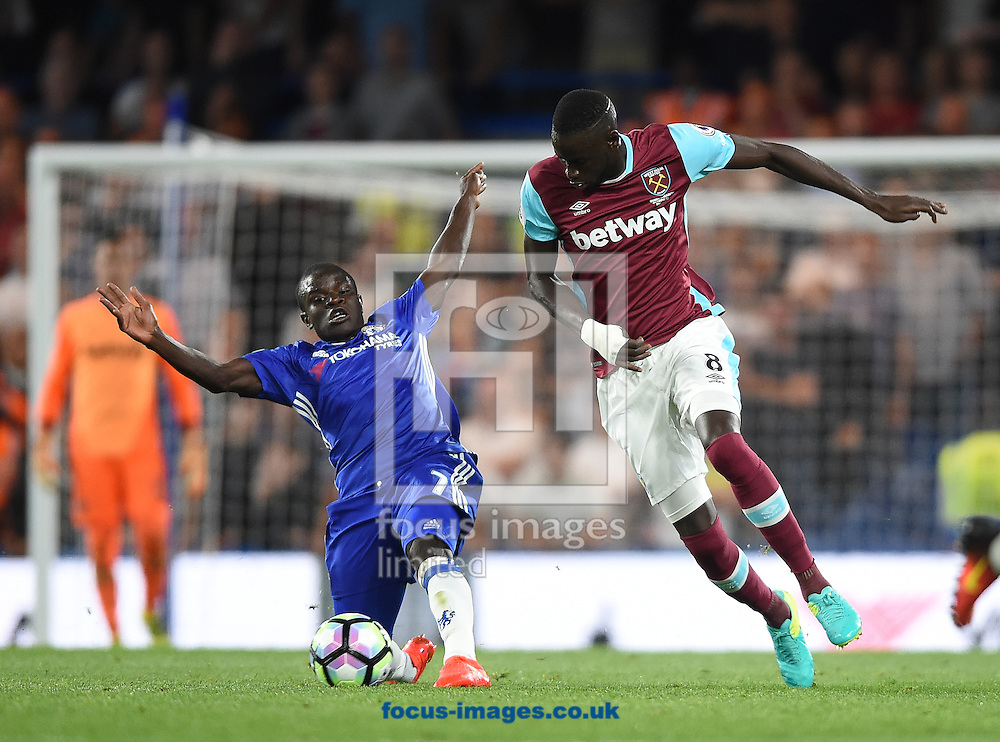 Chelsea's N&rsquo;Golo Kante and Cheikhou Kouyate of West Ham United during the Premier League match at Stamford Bridge, London<br /> Picture by Daniel Hambury/Focus Images Ltd +44 7813 022858<br /> 15/08/2016