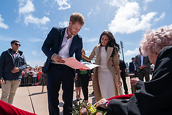 AU_1372468 - Sydney, AUSTRALIA  -   Closeup shoots of Prince Harry and Meghan meeting Daphne Dunne at the Opera House<br />