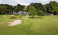 VLEUTEN - Hole 9 / 18 van Golfclub De Haar. met clubhuis. Op de achtergrond Kasteel Haarzuilens. COPYRIGHT KOEN SUYK