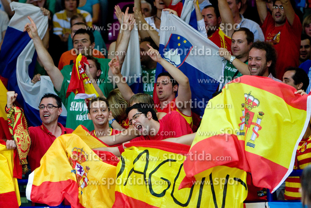 Fans of Spain and Slovenia during the basketball match at 1st Round of Eurobasket 2009 in Group C between Slovenia and Spain, on September 09, 2009 in Arena Torwar, Warsaw, Poland.  (Photo by Vid Ponikvar / Sportida)