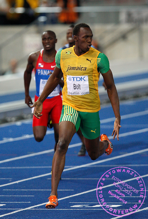 BERLIN 20/08/2009.12th IAAF World Championships in Athletics Berlin 2009.Usain Bolt of Jamaica celebrates after he won ahead of the competition in the men's 200 meters final during the world athletics championships at the Olympic stadium in Berlin August 20, 2009. Bolt won the race with a new world record time of 19.19 seconds..Phot: Piotr Hawalej / WROFOTO