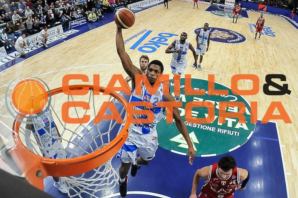 DESCRIZIONE : Campionato 2014/15 Dinamo Banco di Sardegna Sassari - Olimpia EA7 Emporio Armani Milano<br /> GIOCATORE : Jeff Brooks<br /> CATEGORIA : Schiacciata Special<br /> SQUADRA : Dinamo Banco di Sardegna Sassari<br /> EVENTO : LegaBasket Serie A Beko 2014/2015<br /> GARA : Dinamo Banco di Sardegna Sassari - Olimpia EA7 Emporio Armani Milano<br /> DATA : 07/12/2014<br /> SPORT : Pallacanestro <br /> AUTORE : Agenzia Ciamillo-Castoria / Luigi Canu<br /> Galleria : LegaBasket Serie A Beko 2014/2015<br /> Fotonotizia : Campionato 2014/15 Dinamo Banco di Sardegna Sassari - Olimpia EA7 Emporio Armani Milano<br /> Predefinita :