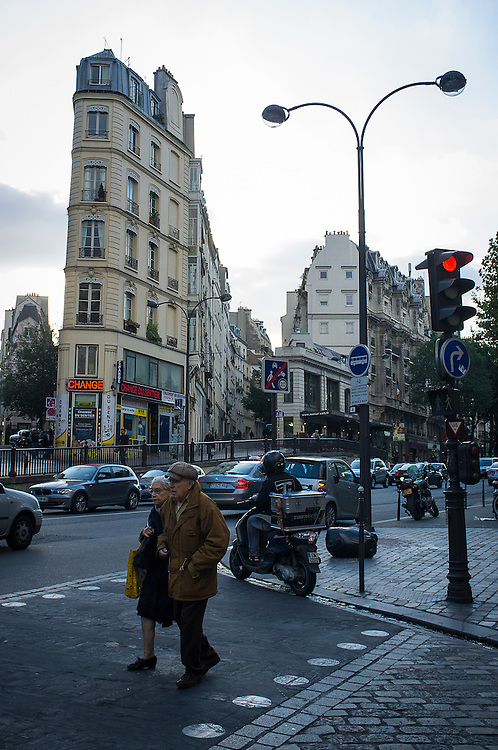 PARIS<br />