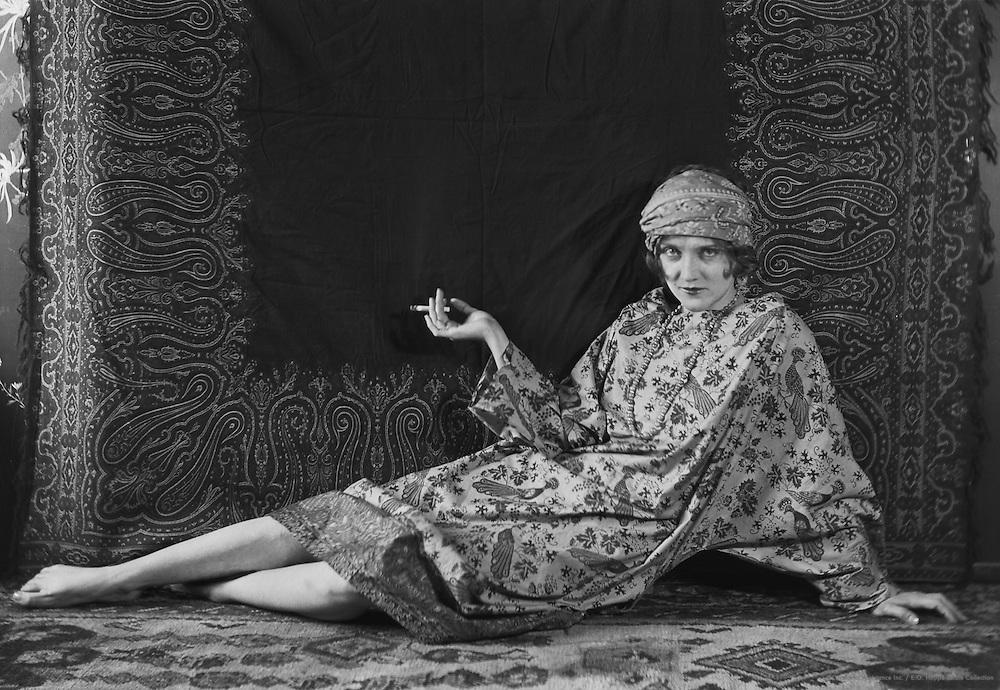 Dorothy Dickson, actress, 1921