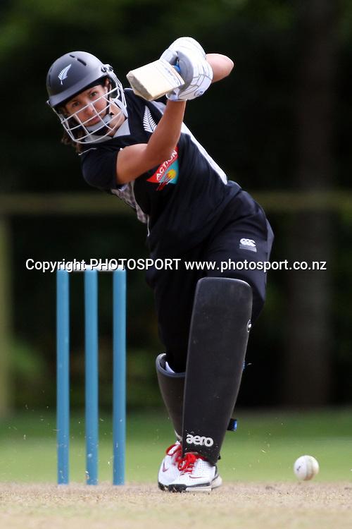 Sara McGlashan batting, New Zealand White Ferns v Australia, Rosebowl cricket series, One day international, Queens Park, Invercargill. 7 March 2010. Photo: William Booth/PHOTOSPORT