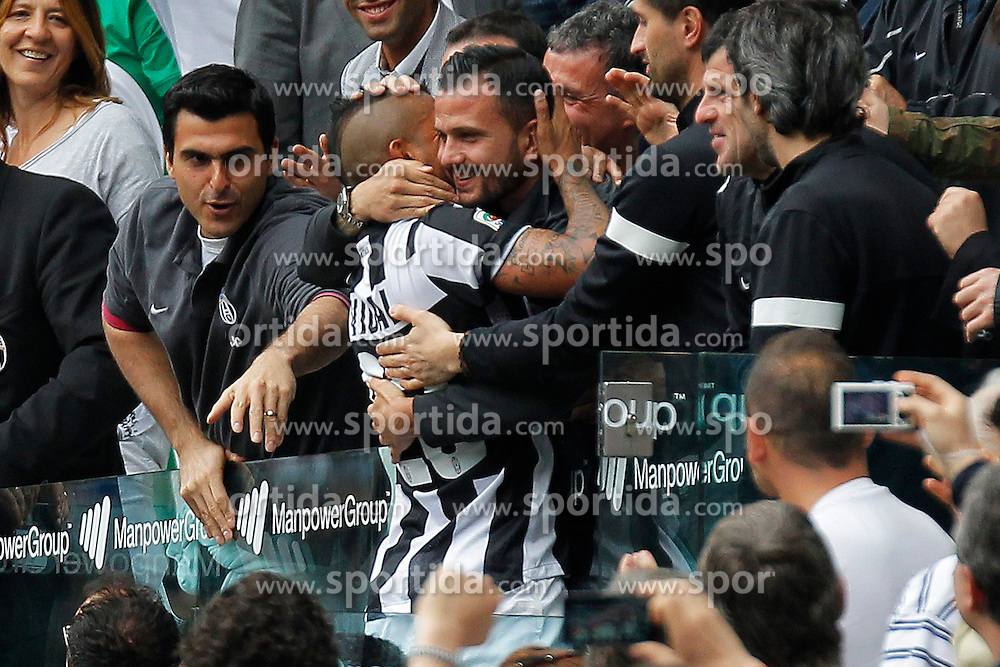 05.05.2013, Juventus Stadion, Turin, ITA, Serie A, Juventus Turin vs US Palermo, 35. Runde, im Bild Torjubel Arturo Vidal Juventus, Goal Celebration // during the Italian Serie A 35th round match between Juventus FC and US Palermo at the Juventus Stadium, Turin, Italy on 2013/05/05. EXPA Pictures © 2013, PhotoCredit: EXPA/ Insidefoto/ Marco Bertorello..***** ATTENTION - for AUT, SLO, CRO, SRB, BIH and SWE only *****